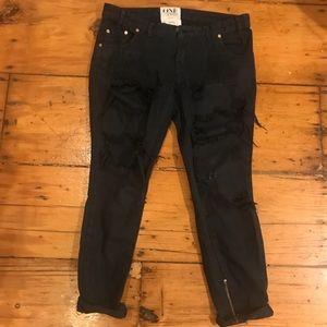 One Teaspoon Distressed Boyfriend Jeans